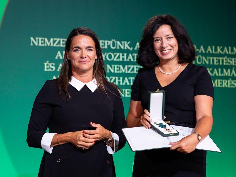 Magyar Érdemrend Lovagkeresztje kitüntetést kapott Fűrész Tünde, a KINCS elnöke
